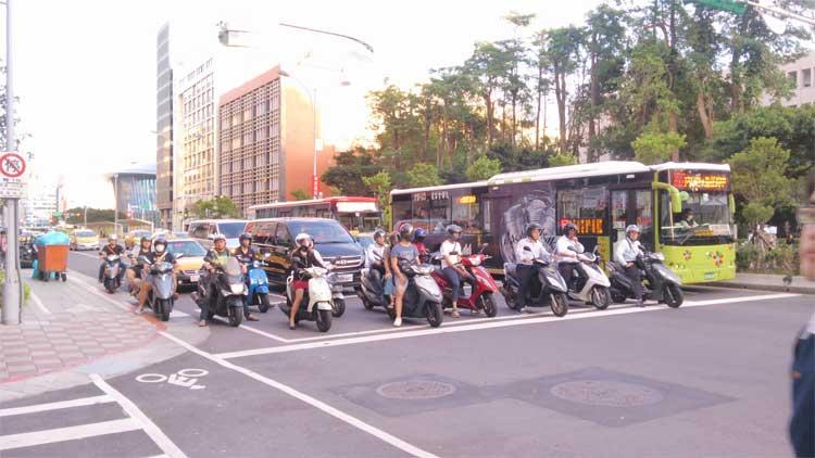 台湾、道、原チャリ