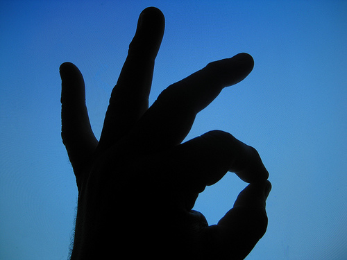 okを意味する手の形