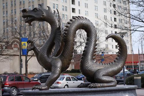 ドラゴンの彫刻